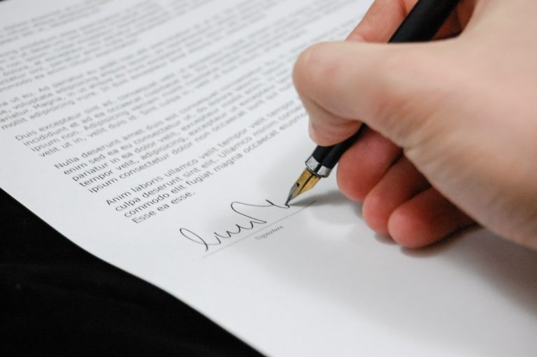 Czym się różni legalizacja dokumentu od Apostille