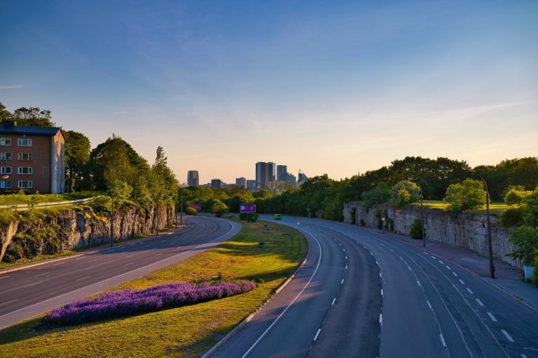 Jak powinna być realizowana pomoc drogowa?