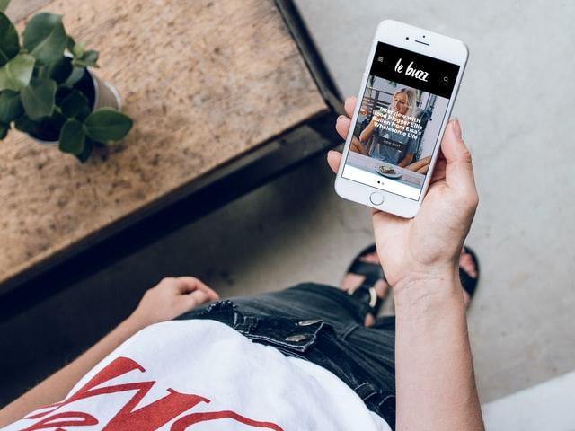 Pęknięta szybka w iPhone – kiedy warto pomyśleć o jej wymianie i kto może się tym zająć?