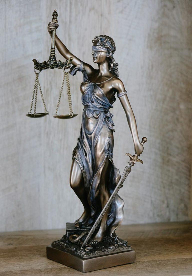 Regulacje prawne w zakresie ochrony danych osobowych