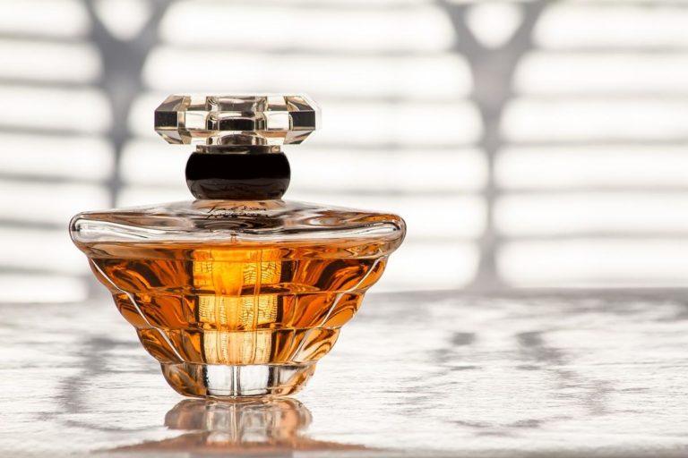 Odpowiednio przygotowane perfumy dla kobiet